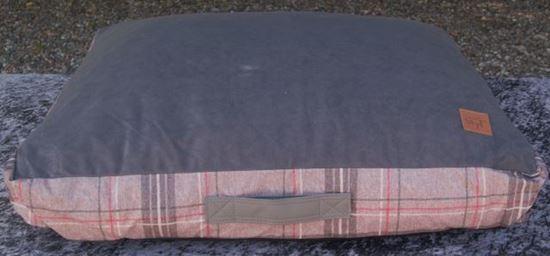 Billede af Hundepude med brune tern 75x65x18 cm